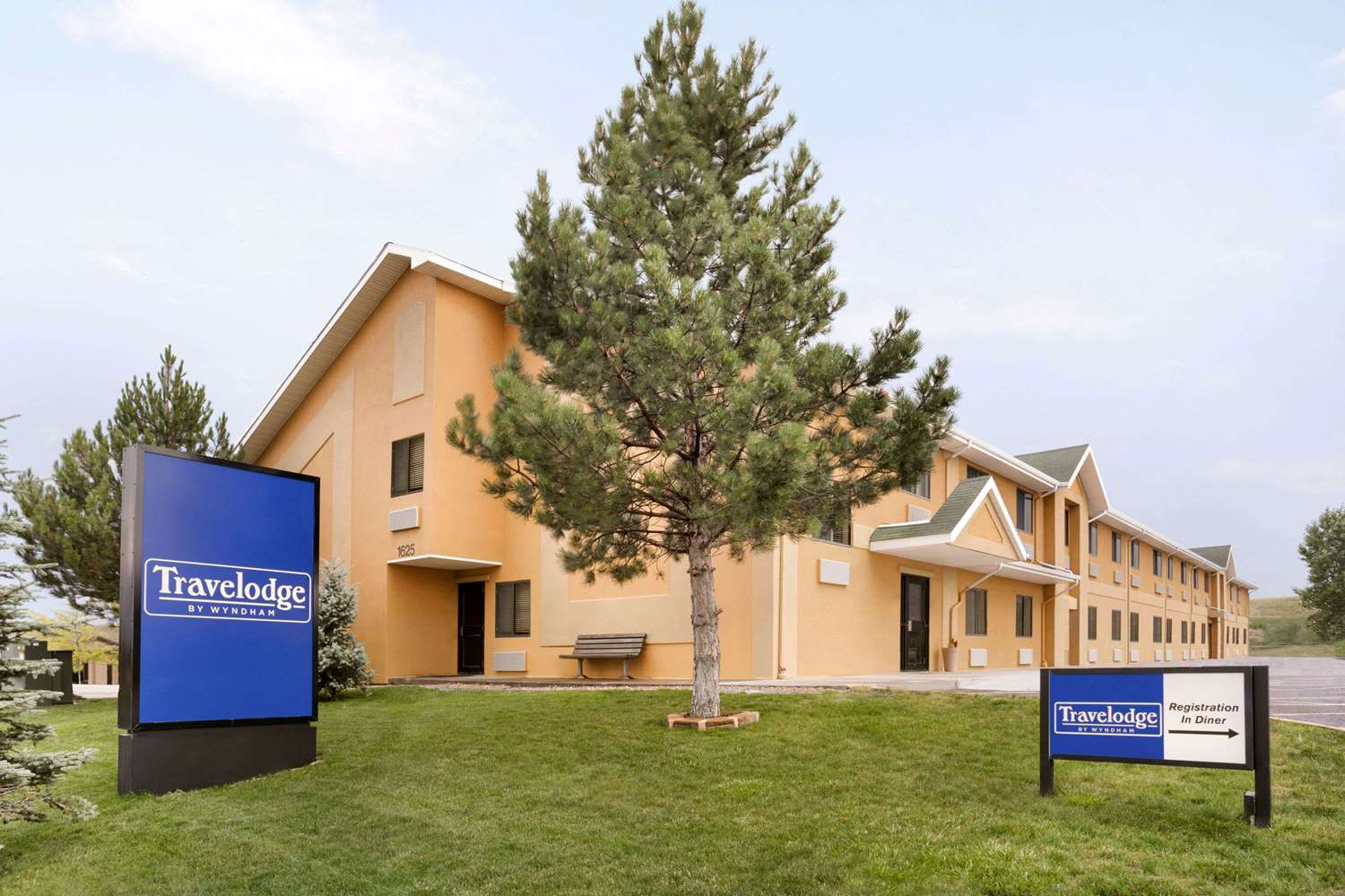 Hotels In Cheyenne Wy That Allow Pets