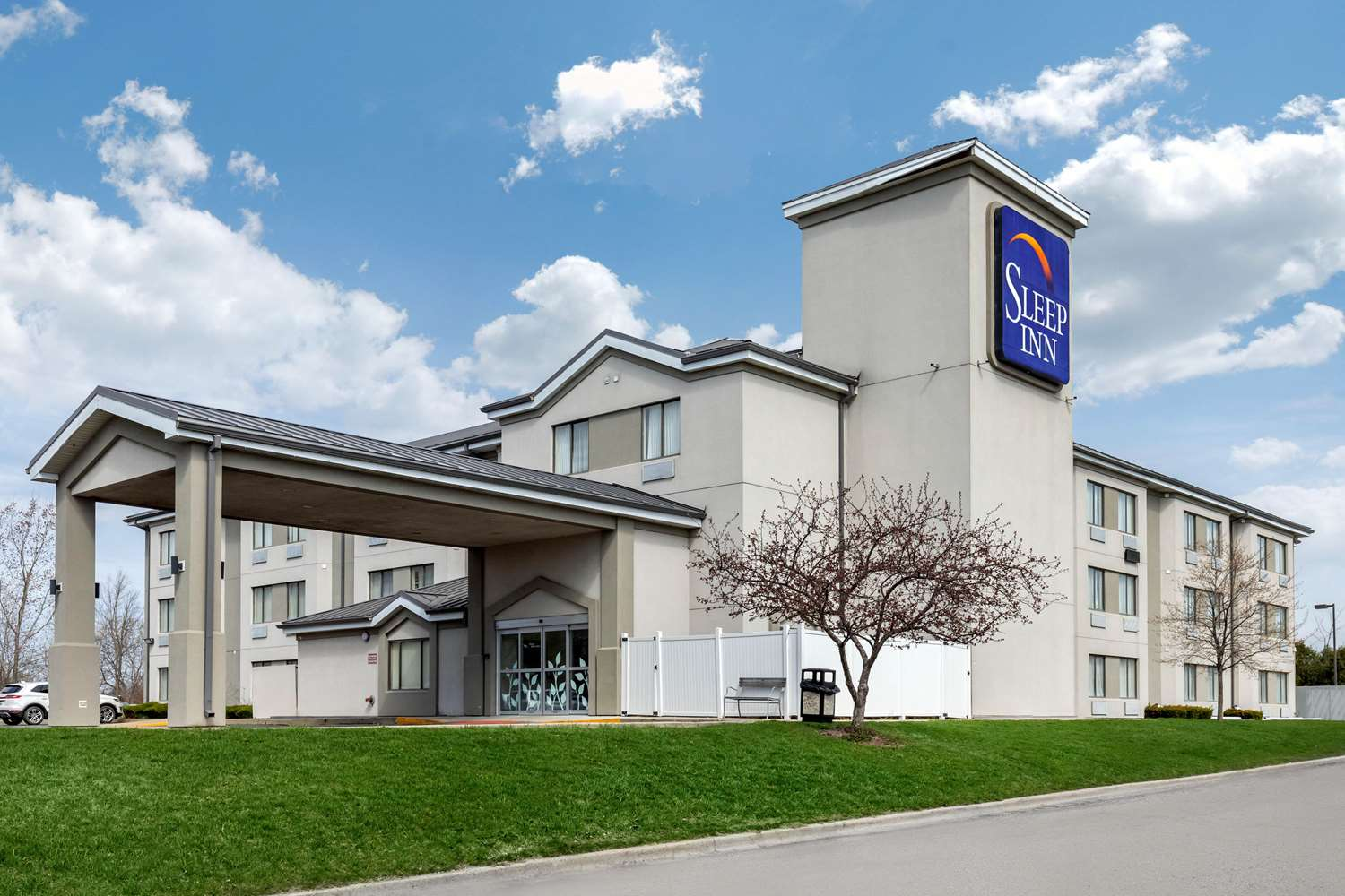 Hotels Near Naval Station Great Lakes See Military Discounts