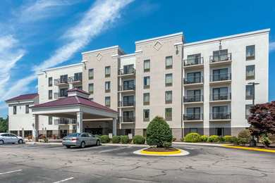Comfort Suites Colonial Heights
