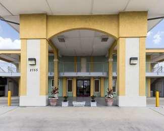 Econo Lodge Inn & Suites San Antonio